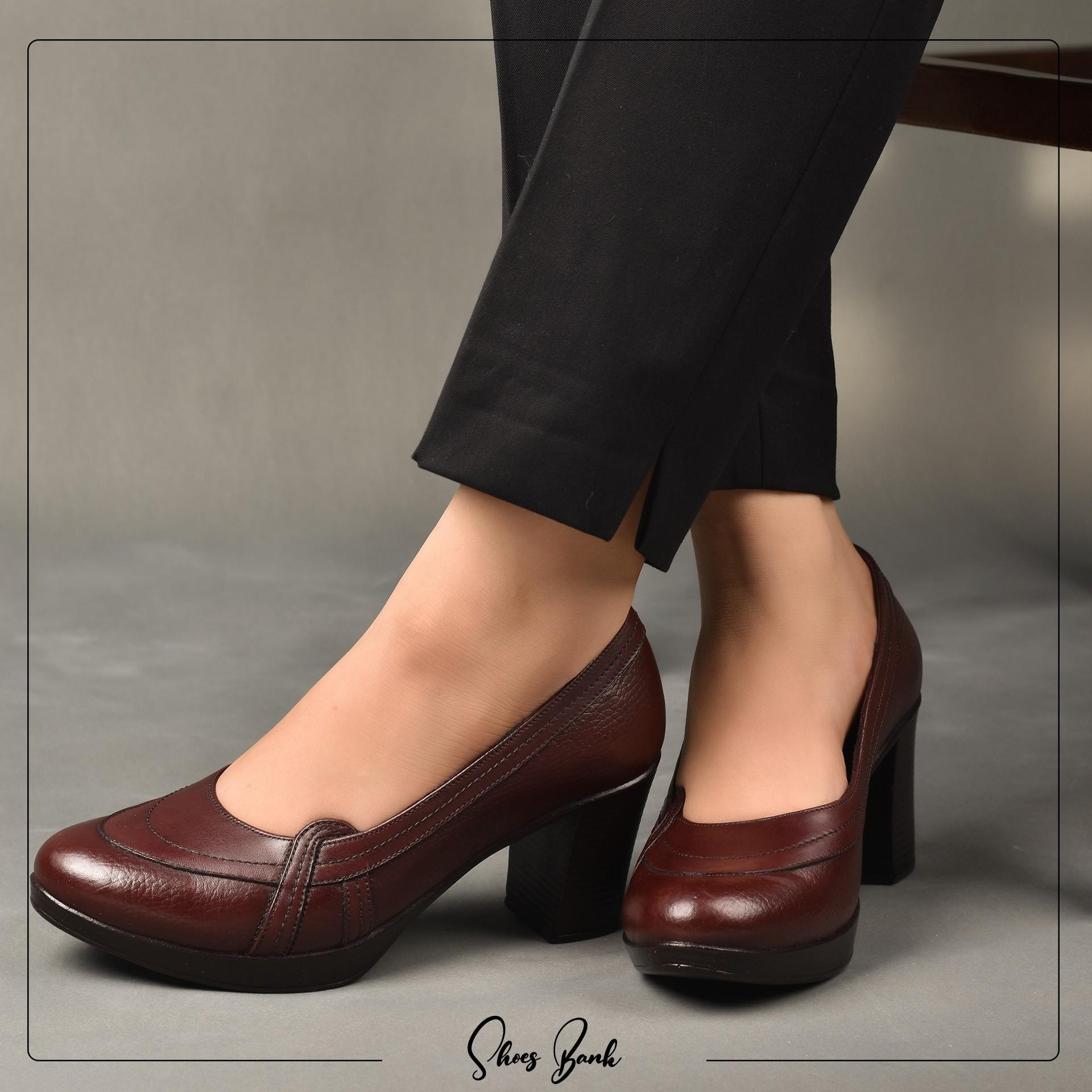 کفش طبی پاشنه دار